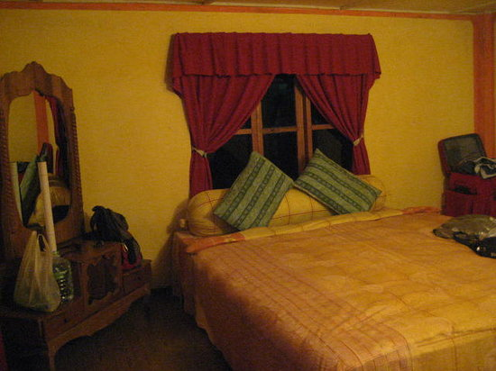 King Fern Cottage: bedroom - king size bed!