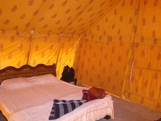 Moonlight Khuri Resort : tent from inside