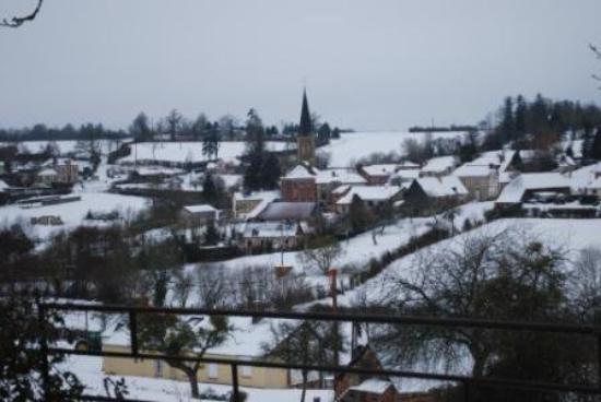 L'Aigle, فرنسا: Heugon Orne !! Mon village sous la neige ...  Un cadre de vie idyllique ...