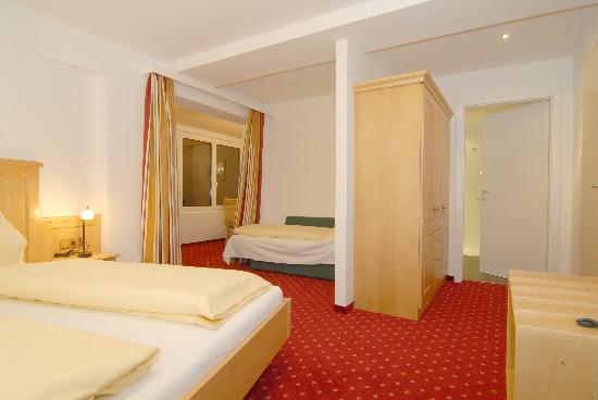 St Johann in Tirol, Østerrike: Eines unserer neuen Zimmer - One of our new rooms