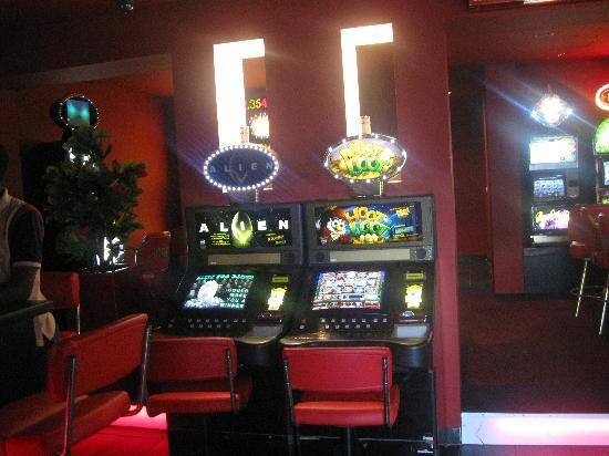 Fini Hotel Bobende: casino limbe