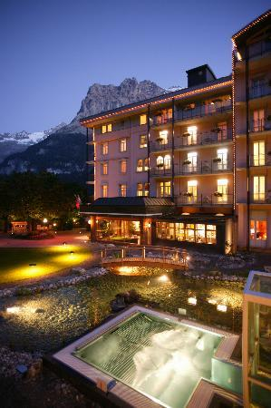 Belvedere Swiss Quality Hotel: Salt water Jaccuzzi in the garden