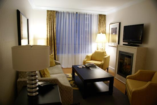 L'Hermitage Hotel: Comfortable living room