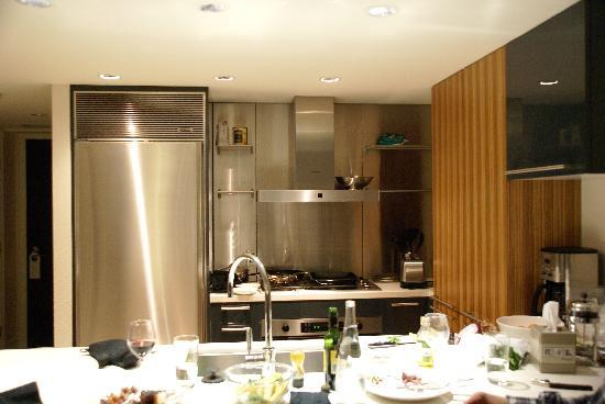 L'Hermitage Hotel: loved the kitchen (messy after cooking but easy to clean.. )
