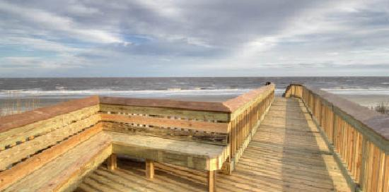 Hampton Inn & Suites Jekyll Island: Stroll out on our Boardwalk!