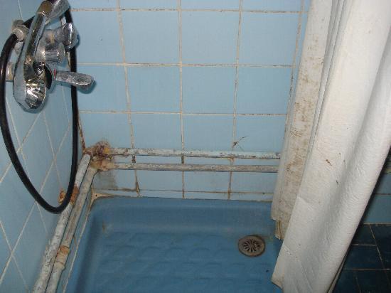 Hotel Crillon: la doccia