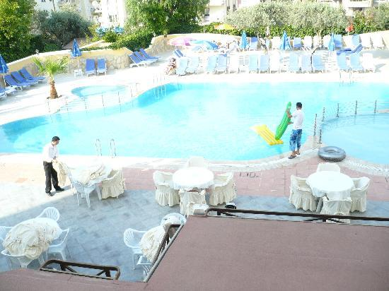 Oya Apartments: pool at oya lovely