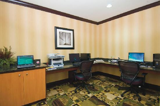 Comfort Suites: BUSINESS CENTER