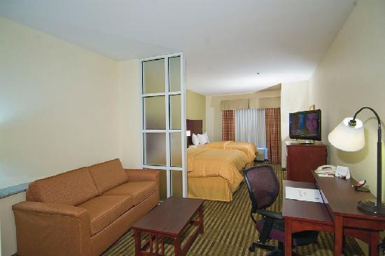 Comfort Suites: DOUBLE QUEEN SUITE