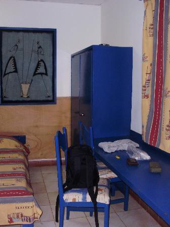 Hotel Independence : Room: desk & wardrobe