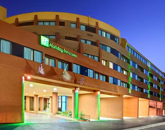 Holiday Inn Hotel & Suites Anaheim - Fullerton: Hotel Exterior