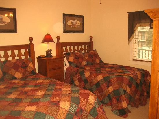Holiday Inn Club Vacations Gatlinburg-Smoky Mountain: 2nd Bedroom of the 2-Bedroom unit.