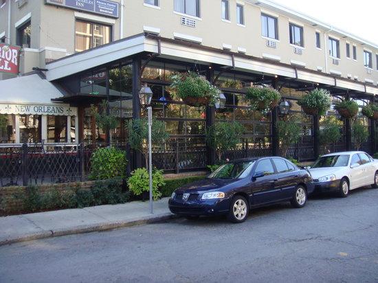 Superior Bar Grill New Orleans Garden District Menu Prices Restaurant Reviews