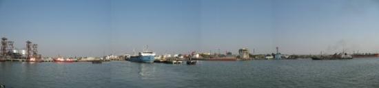 Novorossiysk, Ρωσία: Kavkaz, Russia  traghetti per il passaggo verso Kerch, Ucraina