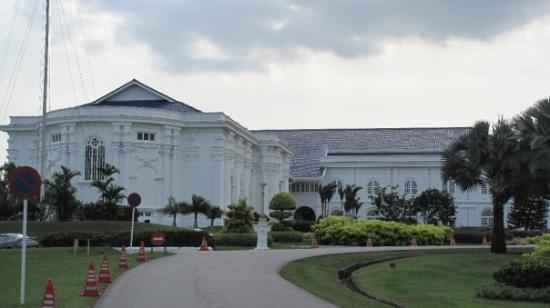 Grand Palace Park (Istana Besar) Photo