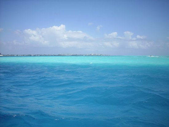 San Andres, Colombia: Seven shades of blue.