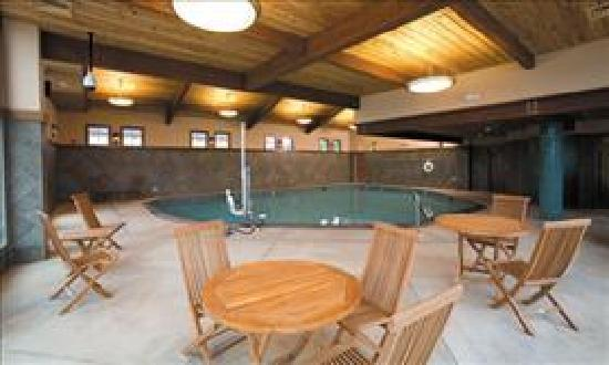 The Mill Casino Hotel: Indoor Pool