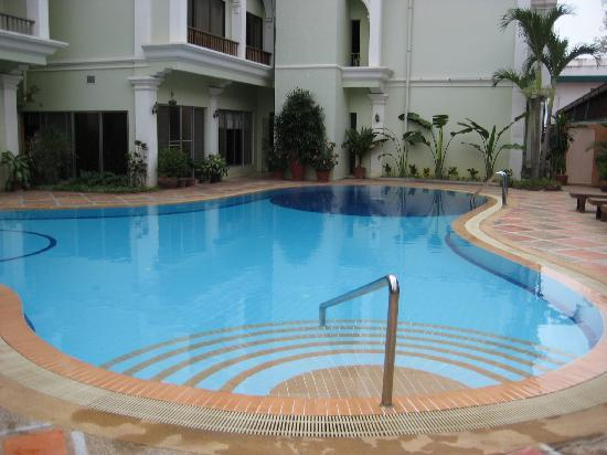 Angkor Way Boutique Hotel: pool