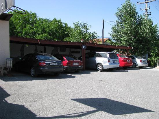 Vergina: The 24/h video-monitored parking lot