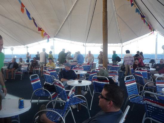 Discovery Cruise Bahamas : Vista interna del crucero