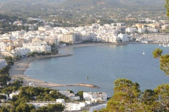 Santa Eulalia del Río, España: See the heart shape in the coastline...this is the view from the balcony of the house.