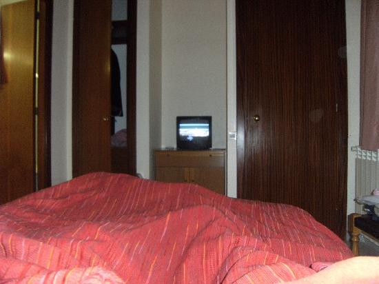 Hotel Aneto: the bedroom