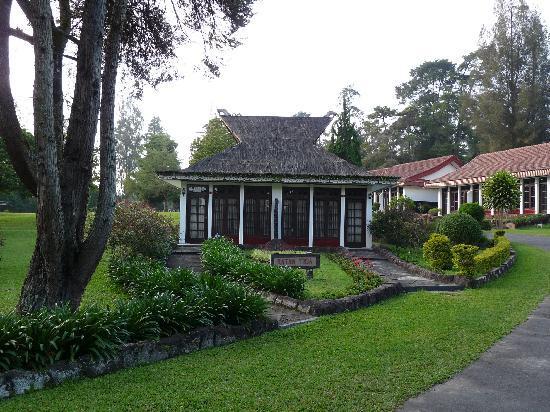Berastagi Cottages : close-up bungalow