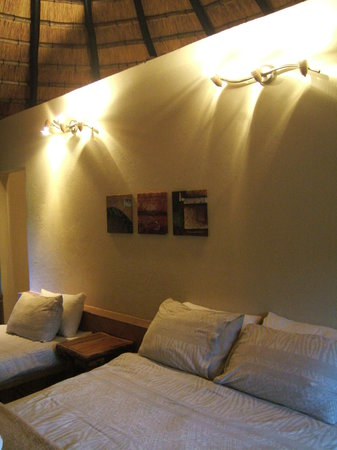 Bayala Game Lodge: la chambre dans le lodge