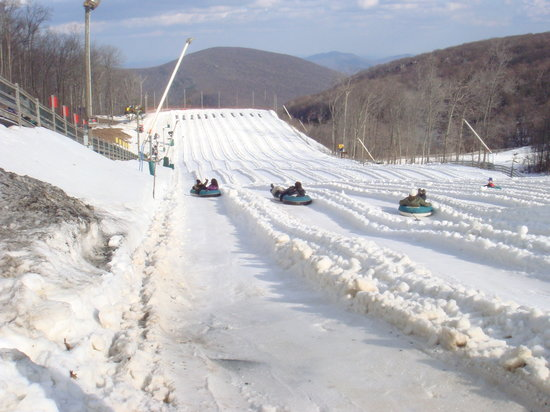 ‪‪Wintergreen‬, فيرجينيا: The Plunge Snow Tubing Area‬