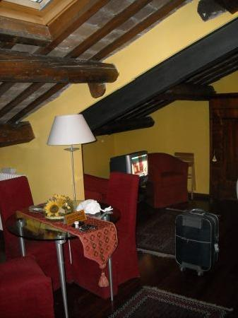Piazza Nova Guest House: suite