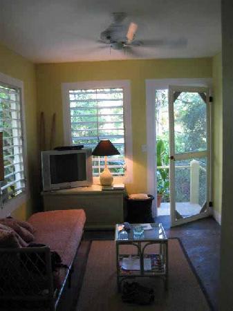 Palm Cottages: Pool Cottage Living Room