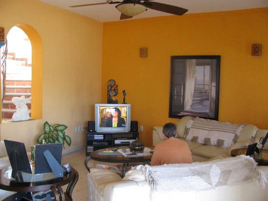 Casa Cielito Lindo Bed & Breakfast: Common room