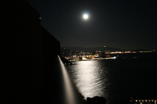 Best Alcazar Hotel: lo mismo de noche.