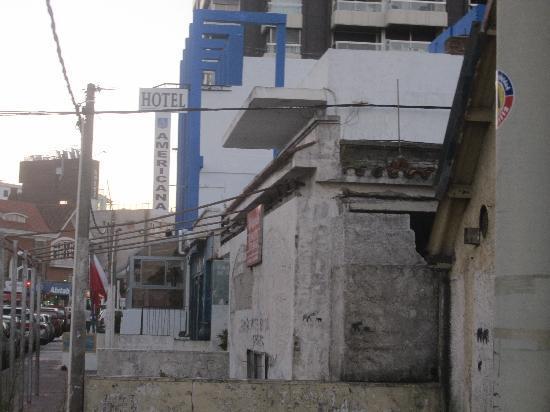 Hotel Americana: vista del hotel lateral y alrededores