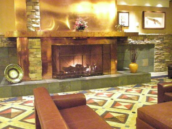 Inn of the Mountain Gods Resort & Casino: lobby area