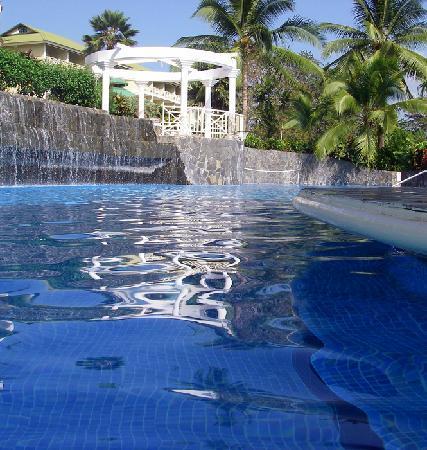 Gamboa Rainforest Resort: Pool and the bar