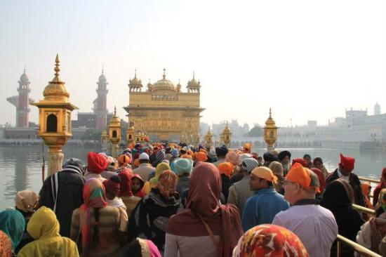 Амритсар, Индия: Bridge leading to the  Golden Temple, Amritsar, Punjab