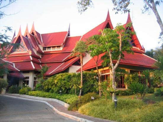 Krabi Thai Village Resort: Our Hotel as the sun starts to set
