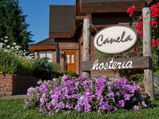 Hosteria Canela B&B : Canela's welcoming sign