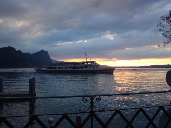 Hotel Vitznauerhofからの夕陽