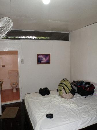 Barefoot Sukau Lodge: Room