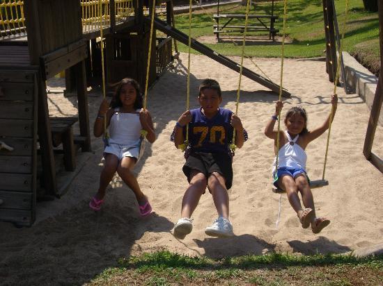 Palma Real : los niños en el area de juegos