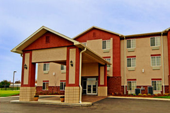 Paola Inn and Suites 사진