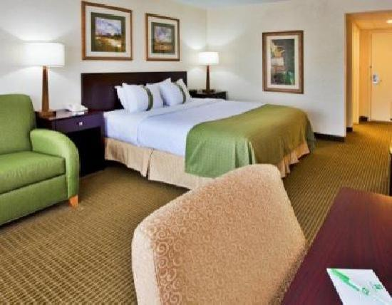 Holiday Inn - Orlando International Airport: Executive Rooms include Continental Breakfast