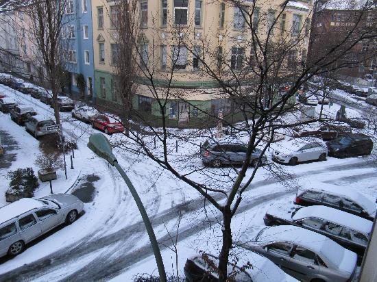 EU Centralhotel Im Tonnchen: Blick aus dem Fenster auf die Strasse