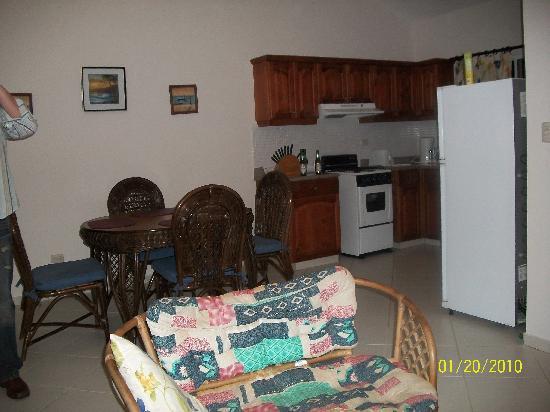 Residencial Casa Linda: Living Room