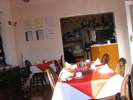 Tilstone Guest House: Morning Breakfast