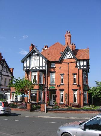 Tilstone Guest House: Beautiful Building