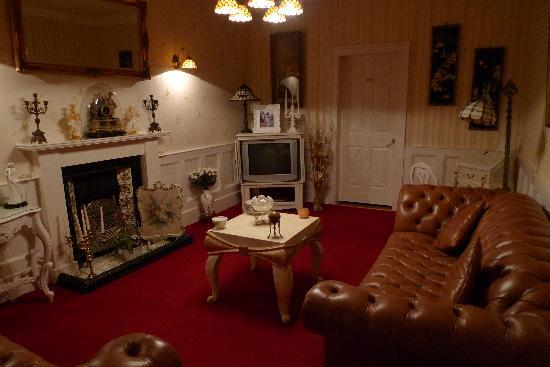 The Old Tram House: Lounge Room