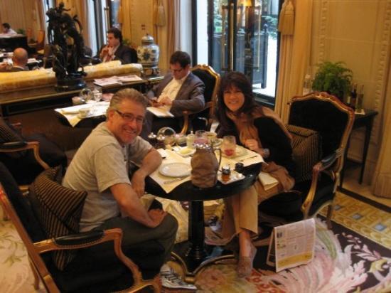 โรงแรมโฟร์ ซีซั่น จอร์จ ไฟฟ์ ปารีส: Breakfast the last morning at George V